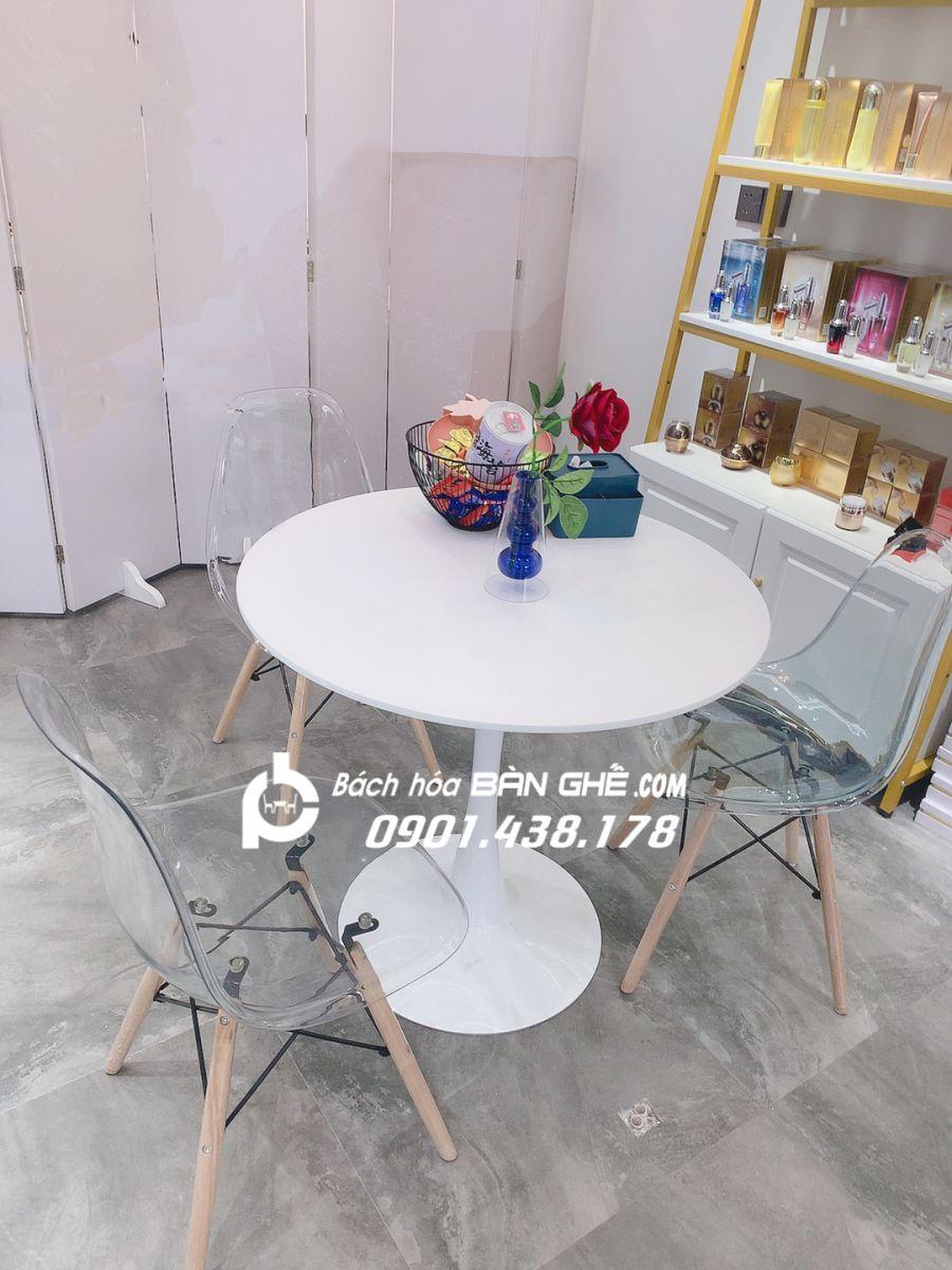Bộ bàn tròn tulip 3 ghế trong suốt tiếp khách