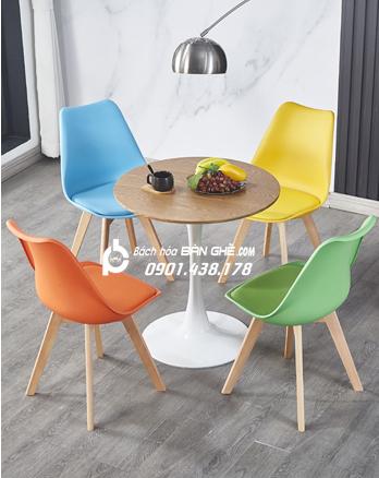 Bộ bàn Tulip 4 ghế nhựa có nệm GLM05